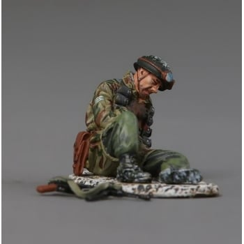 Thomas Gunn FJ027B German WW2 Fallschirmjager wounded Paratrooper Winter