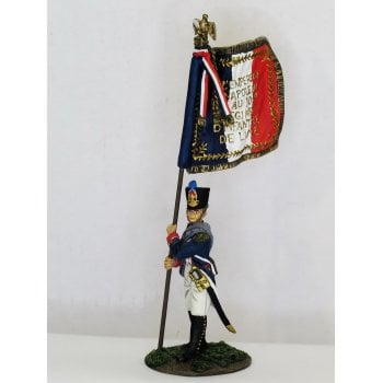 Britains 36078 - Napoleonic French Line Infantry Fusilier Eagle Bearer, 105th Ligne, No.1