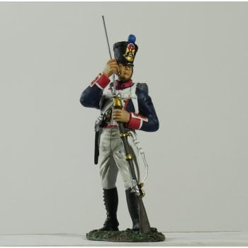 Britains 36092 - Napoleonic French Line Infantry Fusilier Standing Loading No.1