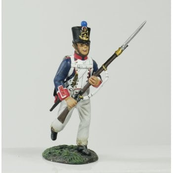 Britains 36067 - Napoleonic French Line Infantry Fusilier Advancing at Port Arms No.1
