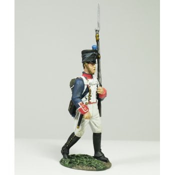 Britains 36077 - Napoleonic French Line Infantry Fusilier Marching #1