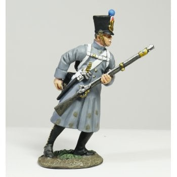 Britains 36093 - Napoleonic French Line Infantry Fusilier in Greatcoat Reaching for Cartridge No.1