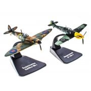 1:72 7164101 Messerschmitt Bf109E-4 & Supermarine Spitfire MkI - Battle of Britain - Duelling Fighters Model Plane
